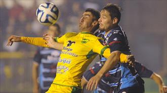 "Defensa a""justicia"""